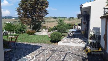Character villa with beautiful garden and panoramic view. Img5