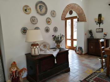 Character villa with beautiful garden and panoramic view. Img26