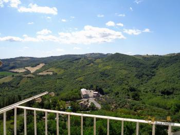 Renovated townhouse with annex for sale in Gissi. Abruzzo. Img3