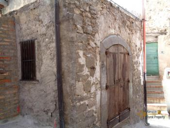 Renovated townhouse with annex for sale in Gissi. Abruzzo. Img29