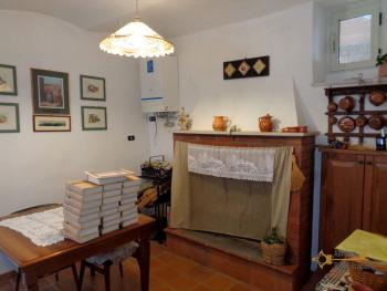 Renovated townhouse with annex for sale in Gissi. Abruzzo. Img12