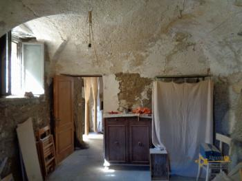 Renovated townhouse with annex for sale in Gissi. Abruzzo. Img25