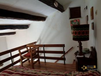 Renovated townhouse with annex for sale in Gissi. Abruzzo. Img18