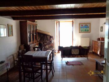 Renovated townhouse with annex for sale in Gissi. Abruzzo. Img10