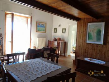 Renovated townhouse with annex for sale in Gissi. Abruzzo. Img4