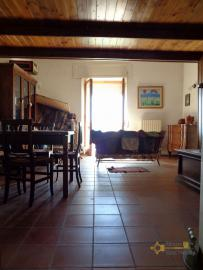 Renovated townhouse with annex for sale in Gissi. Abruzzo. Img9