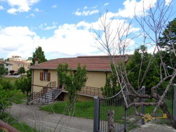 Five bedrooms country house with 5000 sqm of land for sale.