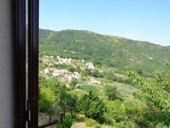 Charming country house with land and fantastic view. Abruzzo. Img22