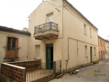 Habitable detached town house in Carunchio. Abruzzo. Img1