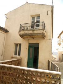 Habitable detached town house in Carunchio. Abruzzo. Img2
