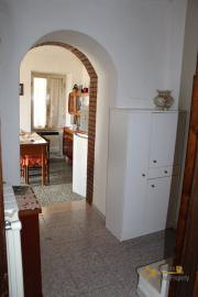 Town house in good conditions with garage, southern Abruzzo. Img5
