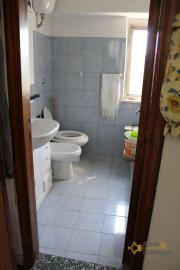 Town house in good conditions with garage, southern Abruzzo. Img16