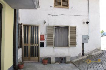 Town house in good conditions with garage, southern Abruzzo. Img15
