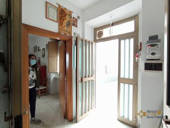 Two bedroom townhouse with cellar, ready to live in, Liscia. Img5