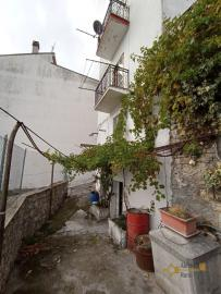 Two bedroom townhouse with cellar, ready to live in, Liscia. Img2