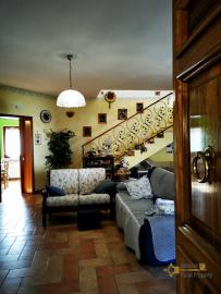 Pretty villa with a nice garden in very private location. Img21