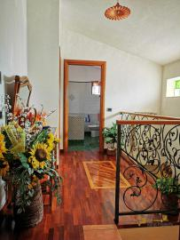 Pretty villa with a nice garden in very private location. Img33