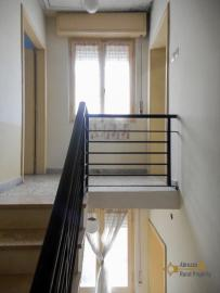Four bedroom house with 200 sqm front land in Colledimezzo. Img18