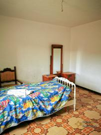 Bargain house with back garden and terrace for sale, Molise. Img12