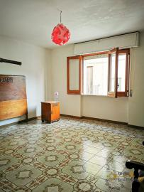 Bargain house with back garden and terrace for sale, Molise. Img8
