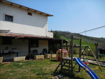 Beautiful villa with one hectare of land and stunning view, Abruzzo. Img4