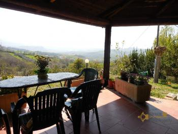 Beautiful villa with one hectare of land and stunning view, Abruzzo. Img6