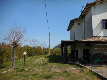 Beautiful villa with one hectare of land and stunning view, Abruzzo. Img9