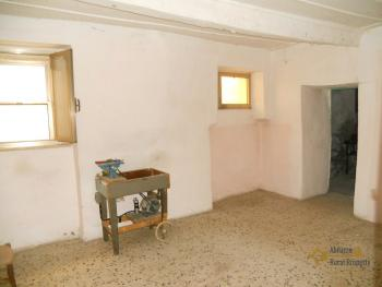 Character stone house in need of intenal renovation. Italy | Abruzzo | Colledimezzo . € 24.000 Ref.: CO3047 photo 5