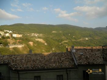 Character stone house in need of intenal renovation. Italy | Abruzzo | Colledimezzo . € 24.000 Ref.: CO3047 photo 12