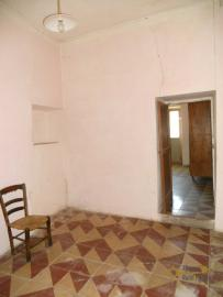 Character stone house in need of intenal renovation. Italy | Abruzzo | Colledimezzo . € 24.000 Ref.: CO3047 photo 2