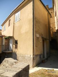 Character stone house in need of intenal renovation. Italy | Abruzzo | Colledimezzo . € 24.000 Ref.: CO3047 photo 11