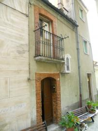 Town house in Colledimezzo. 2,5 km far from the lake. Img1