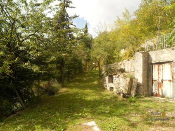Country house to restore with 2000 sqm of land. Italy. Img14