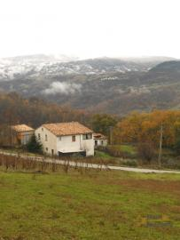 Country house with terrace, garage and 1.000 sqm of land. Italy | Abruzzo | Roccaspinalveti . € 40.000 Ref.: RS4012 photo 20