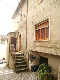 Restored townhouse for sale in Carunchio. Abruzzo. Img4