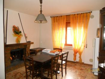Restored townhouse for sale in Carunchio. Abruzzo. Img1