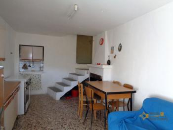 Three bedroom townhouse for sale in San Buono. Abruzzo. Img3