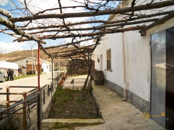 Country house with land for sale, in Roccaspinalveti. Img5