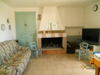 Country house with land for sale, in Roccaspinalveti. Img7