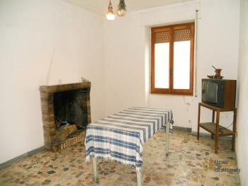 Large townhouse for sale in San Felice del Molise. Img6
