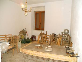 Large townhouse for sale in San Felice del Molise. Img11