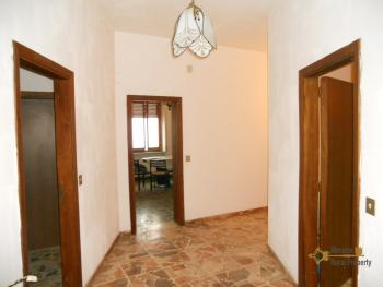Large townhouse for sale in San Felice del Molise. Img10