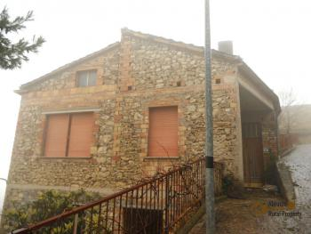Large townhouse for sale in San Felice del Molise. Img1