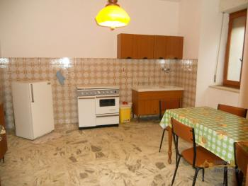 Large townhouse for sale in San Felice del Molise. Img7