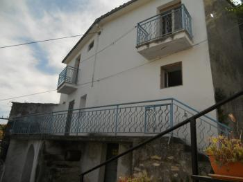Three bedrooms stone house. Tornareccio. Abruzzo. Img2