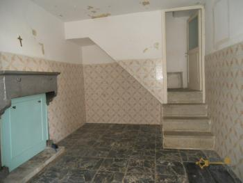 Detached stone house with 2 cellars. Needs light renovation. Italy | Abruzzo | Roccaspinalveti. €24.000 Ref.: RS4047 photo 2