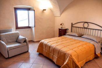 Characteristic self catering flat with garden. Rocchetta al Volturno. photo 7