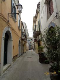 Restored house with top terrace in Vasto historic centre. Img27