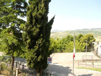 Habitable townhouse with garage for sale in Abruzzo. Img10
