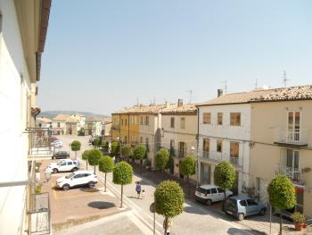 Habitable townhouse with garage for sale in Abruzzo. Img2